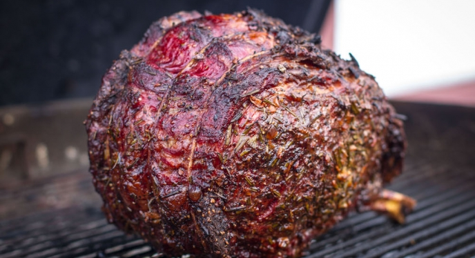 10 Ways To Add Flavor To A Rib Roast